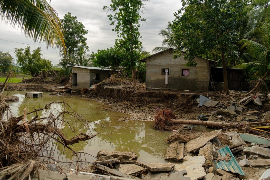 Honduras: cientos de miles de personas siguen sin acceso a los servicios médicos un mes y medio después del paso de los huracanes