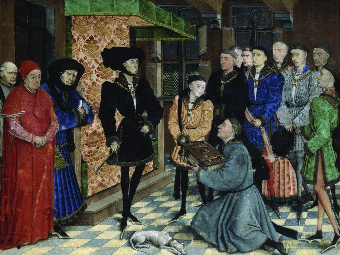 Presentatie van het handschrift van de Chroniques de Hainaut aan hertog Filips de Goede<br/>miniatuur toegeschreven aan Rogier Van der Weyden<br/>KBR- ms. 9242 – folio 1 recto