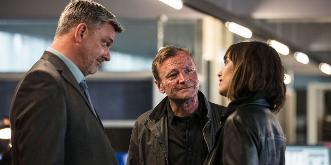 Ray Stevenson, Richard Dormer en Jodi Balfour - (c) All 3 Media