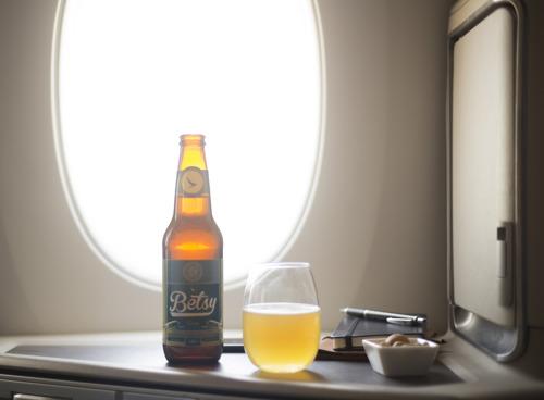 Dégustation de la « Betsy Beer » sur les vols Cathay Pacific entre Hong Kong et Paris en mai et juin