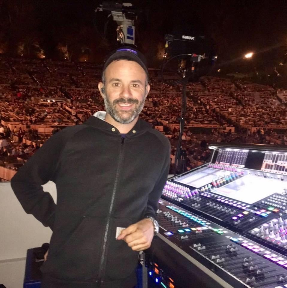 Monitor engineer Niccolò Antonietti was positively surprised how good the frequency response on the Sennheiser IE 400 PRO was compared to his custom IEMs.
