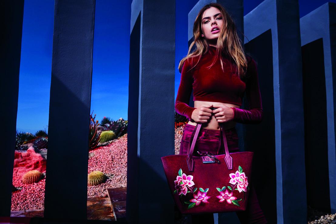 GUESS LUXE Handbags FW17