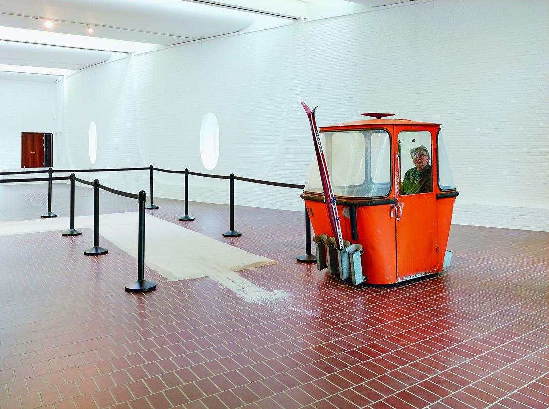 Roman Signer, Spuren, 2016 / Action for the exhibition PROJET POUR UN JARDIN (2016)  - Courtesy of the artist / Photo: Simon Vogel