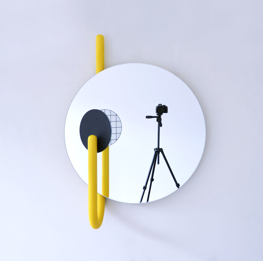 Alain Gilles - Mirror Mirror