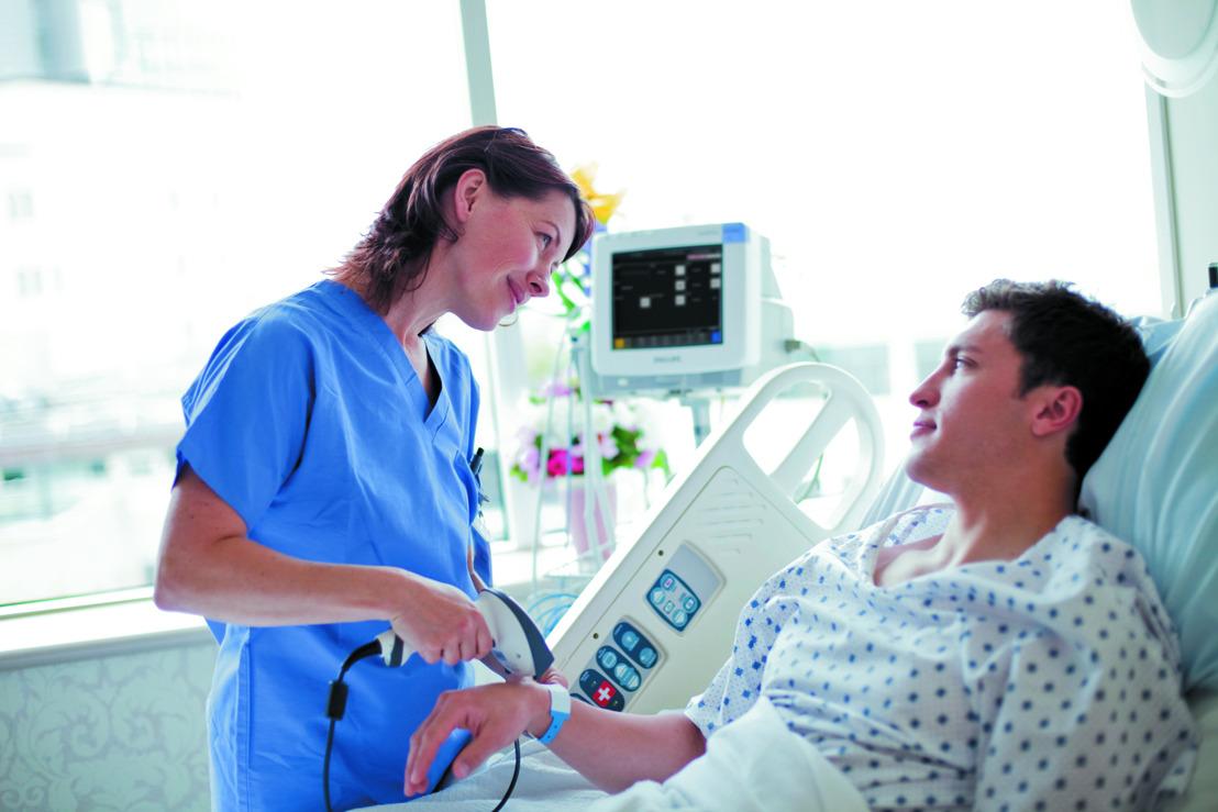 Europese primeur: AZ Maria Middelares volgt patiënten op met draadloze technologie van Philips