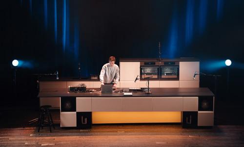 IKEA en DDB laten keuken afzien met liveoptreden van Stereoclip