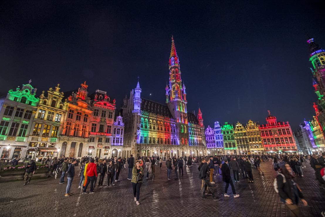 Brussel hult zich opnieuw een maand lang in regenboogkleuren