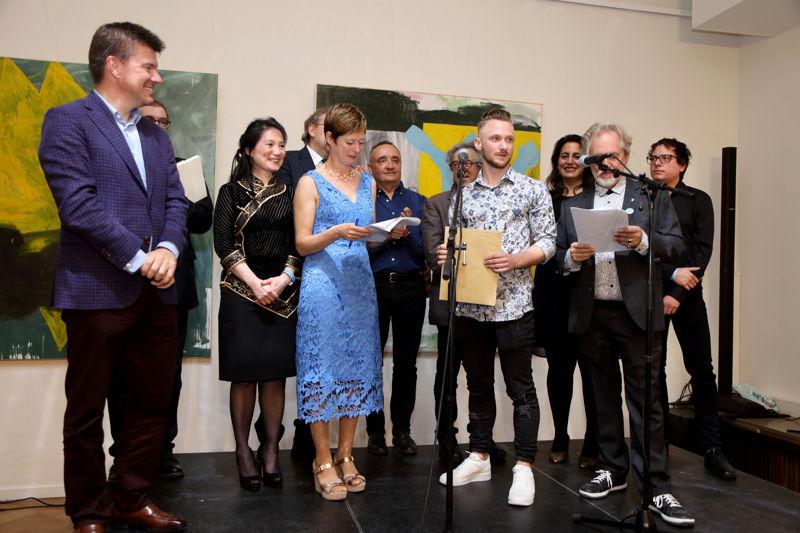 Le ministre flamand de la Culture, Sven Gatz, était présent pour remettre le prix