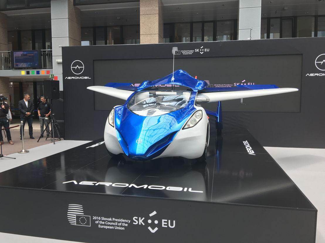 AeroMobil počas transformácie