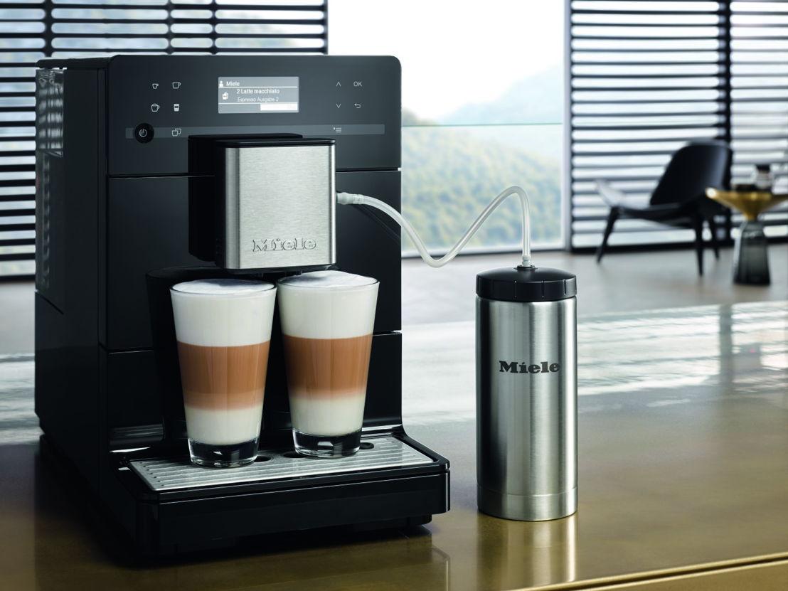 De CM5 koffiemachine van Miele: elegant, compact, én voorzien van tal van technologische snufjes.