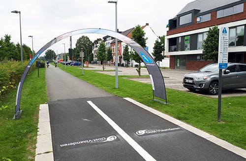 Veilig naar school op vernieuwde fietssnelweg F45 in Kluisbergen