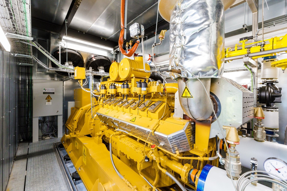 UCB en Vanparijs Engineers, een filiaal van Luminus, stellen een warmtekrachtkoppeling bij UCB in Eigenbrakel in dienst: een cruciale fase voor UCB dat tegen 2030 koolstofneutraal wil zijn