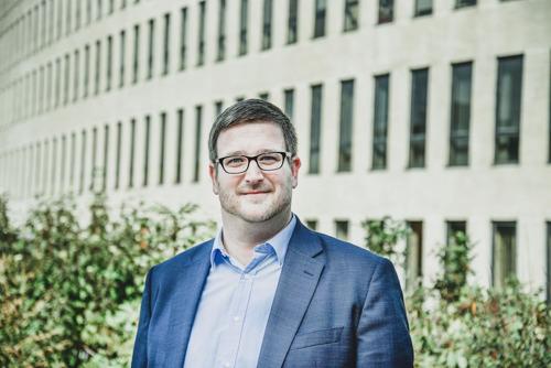 VUB-taalkundige Rik Vosters opgenomen in Koninklijke Academie voor Nederlandse Taal en Letteren