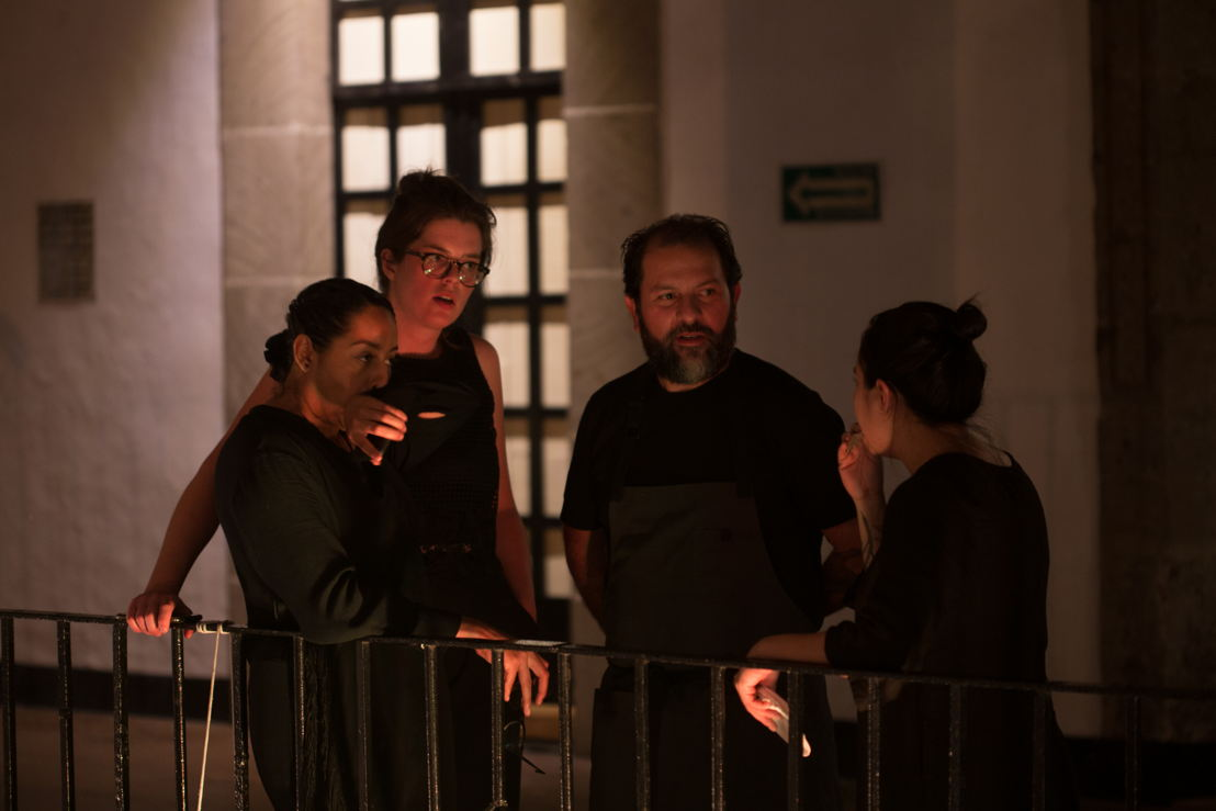Chef Enrique Olvera y su equipo.