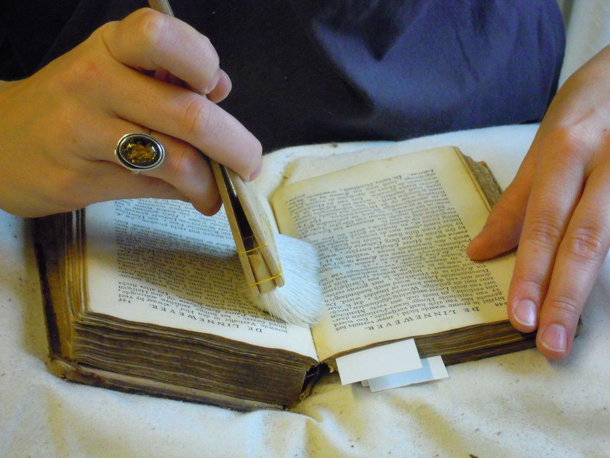 Boeken EHBO (c) DIVA