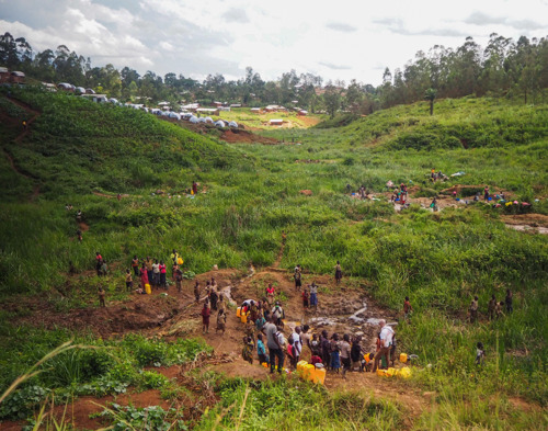MSF, RD Congo : 200 000 déplacés suite à la dernière vague d'attaques des villages et des centres de santé en Ituri