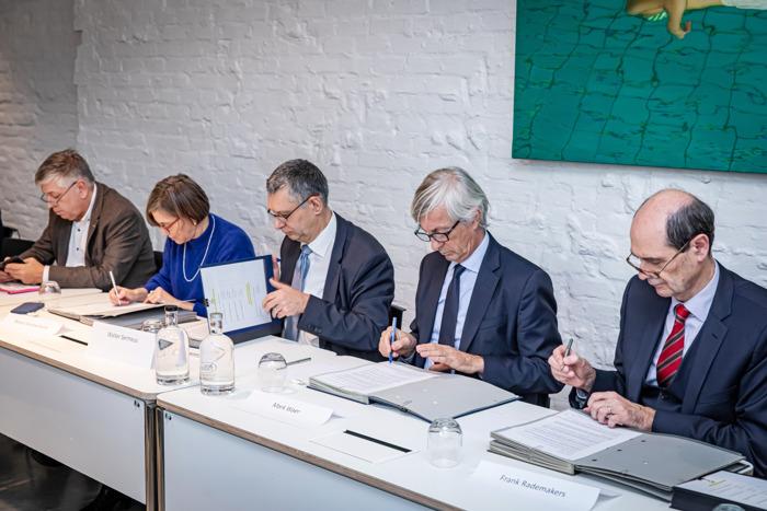 Ziekenhuisnetwerk Oost-Vlaams-Brabant krijgt de naam Plexus