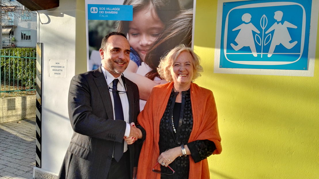 Alberto de Stasio (DG cameo) e Maria Grazia Lanzani Rodríguez Y Baena (Presidente SOS Villaggi dei Bambini Italia)
