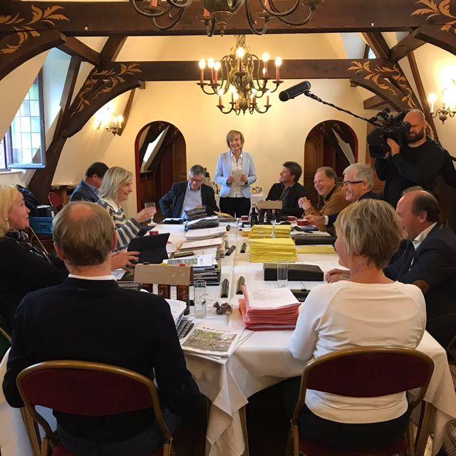 De Vlaamse Regering in Kasteel Karreveld