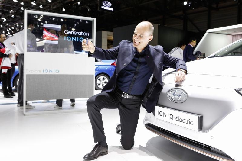 Bertrand Piccard & IONIQ Electric