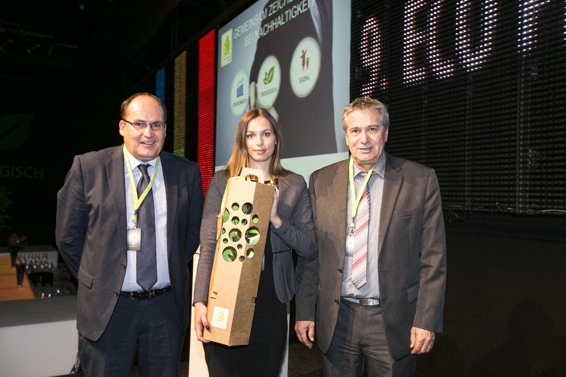 De genomineerden (Berger Logistik GmbH, genomineerd voor de Eco Performance Award) <br/>Voor eindronde genomineerd: Markus Ley (directeur), Alina Jäger (product management assistant) en fleet manager Alois Schrettl van Berger Logistik GmbH. (Foto DKV)