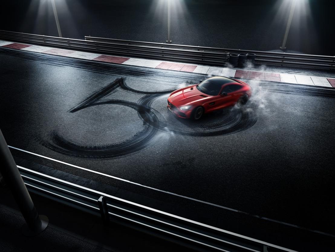 Mercedes-AMG hangt het 'beest' uit op 50ste verjaardag