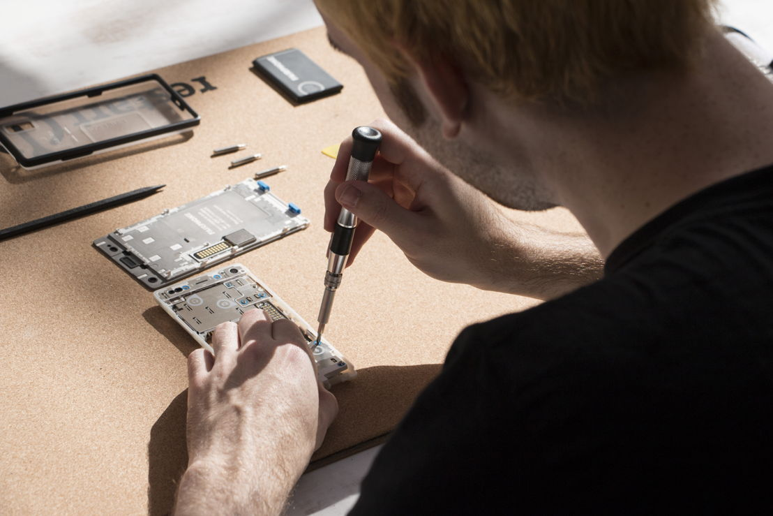Fairphone construction