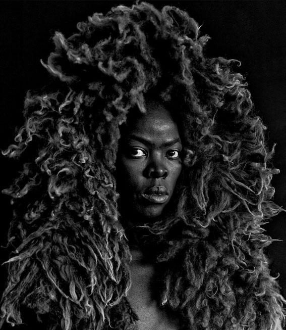 Somnyama Ngonyama II, Oslo, 2015. © Zanele Muholi<br/>Courtesy of Stevenson, Cape Town/Johannesburg and Yancey<br/>Richardson, New York.