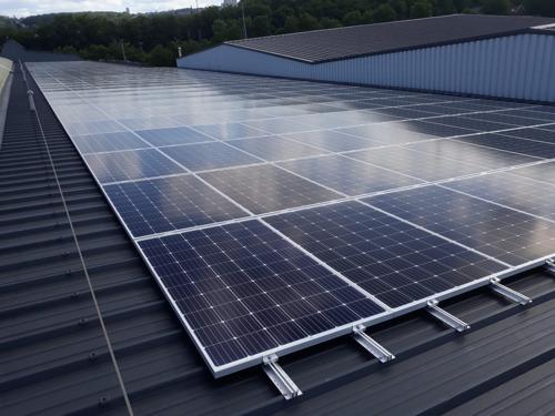 Luminus installe des panneaux photovoltaïques chez ArcelorMittal Ringmill