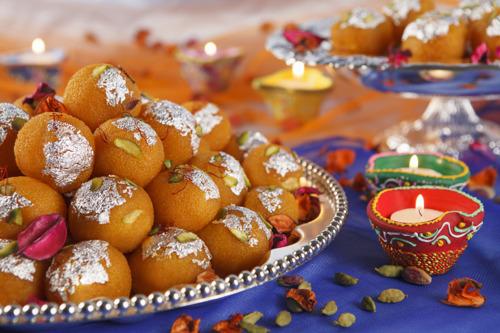 Emirates to sweeten Diwali season with classic Indian delicacies
