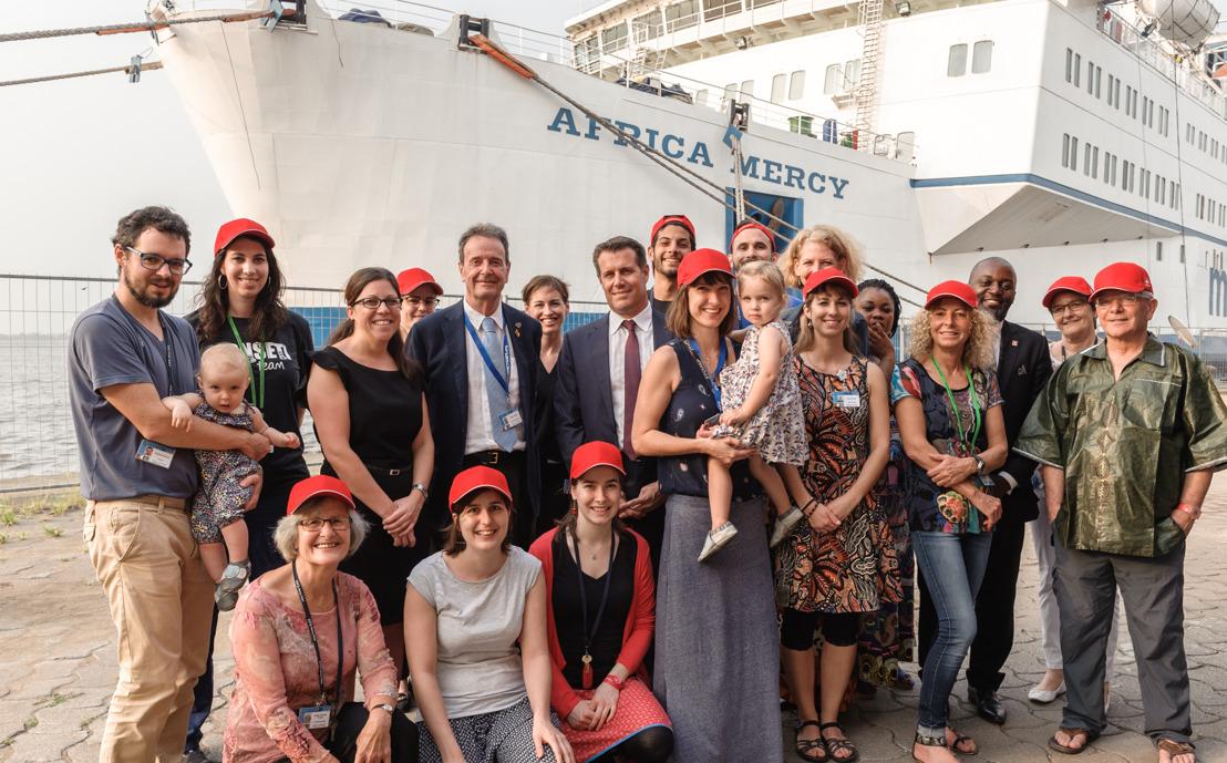 Schweizer Botschafter in Kamerun besucht die Africa Mercy