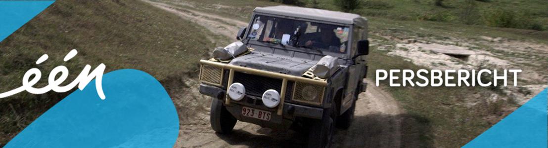 Arnout Hauben met oude legerjeep door Oekraïne