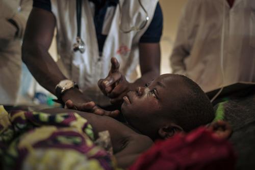 Les efforts pour venir à bout de l'épidémie meurtrière de rougeole en RDC ne sont toujours pas suffisants