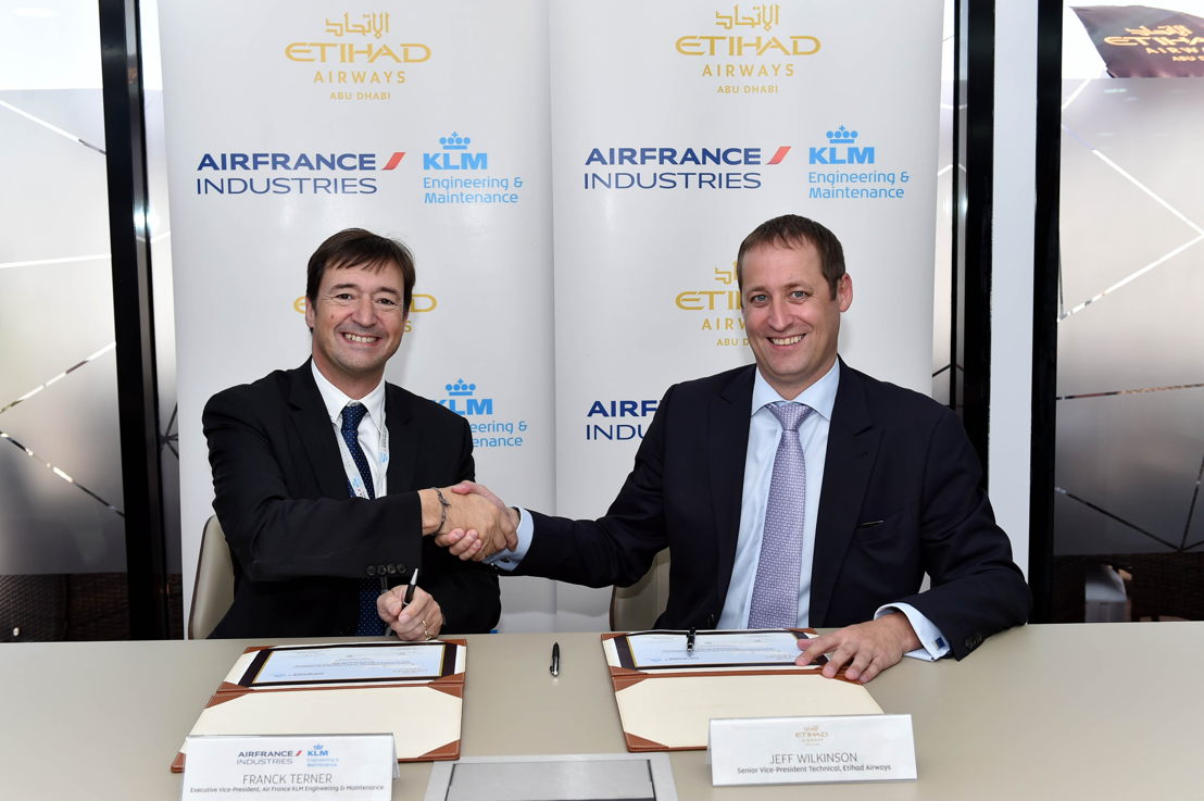 Jeff Wilkinson, Senior Vice President Technical of Etihad Airways, pictured right, with Franck Terner, Executive Vice President of Air France KLM Engineering & Maintenance