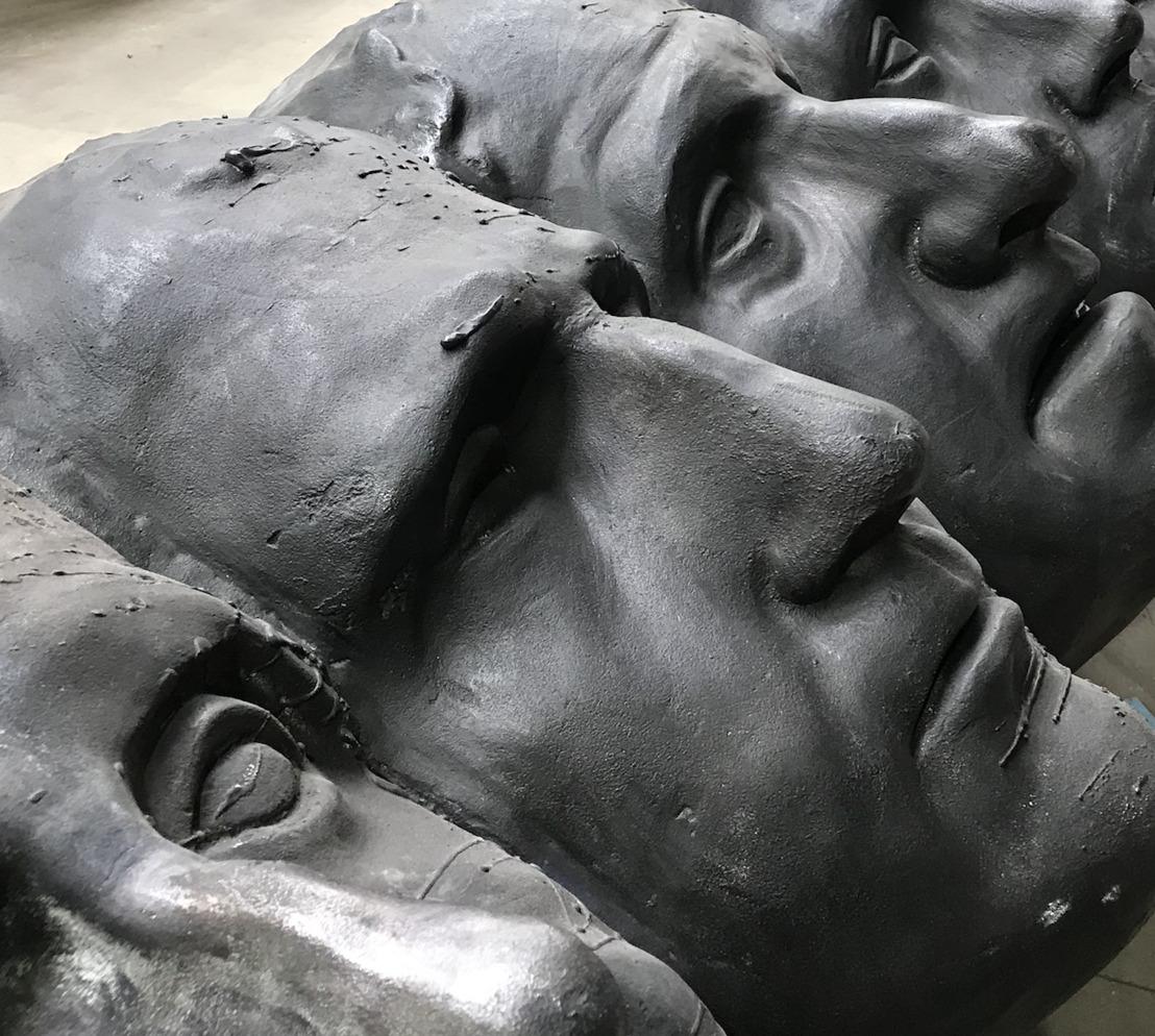 Thomas Lerooy présente une sculpture en bronze de 22 mètres de haut à Knokke
