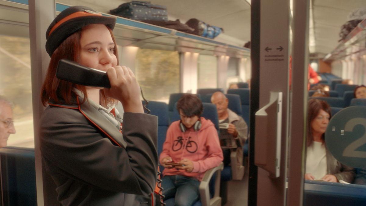 Personeelsleden van NMBS voeren in deze campagne hun eigen rol en hun missie van elke dag uit: er elke dag voor zorgen dat de reizigers een aangename reis beleven…