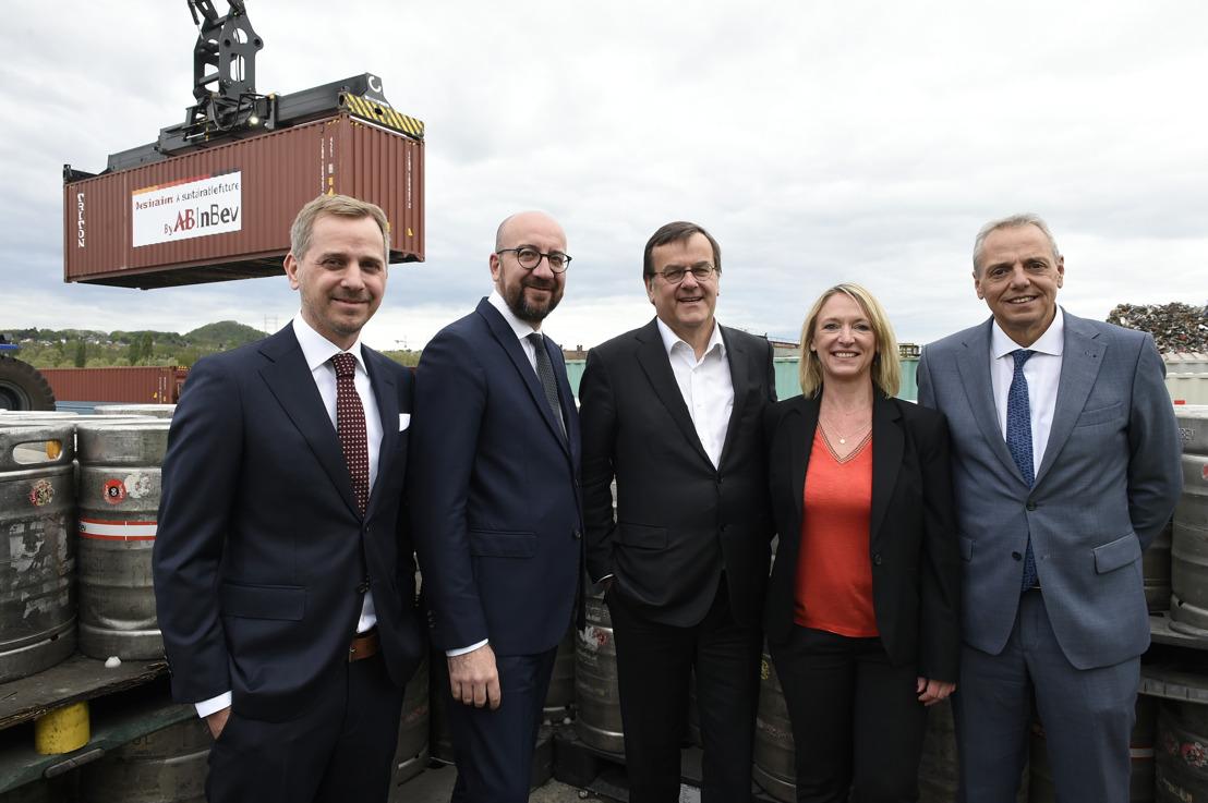 De eerste bierboot van AB InBev haalt 5000 vrachtwagens van de Belgische wegen in 2019