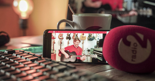 Preview: Niels Destadsbader, Isabelle A, Arne Vanhaecke en vele anderen geven dit weekend online huiskamerconcert voor Radio 2-luisteraars
