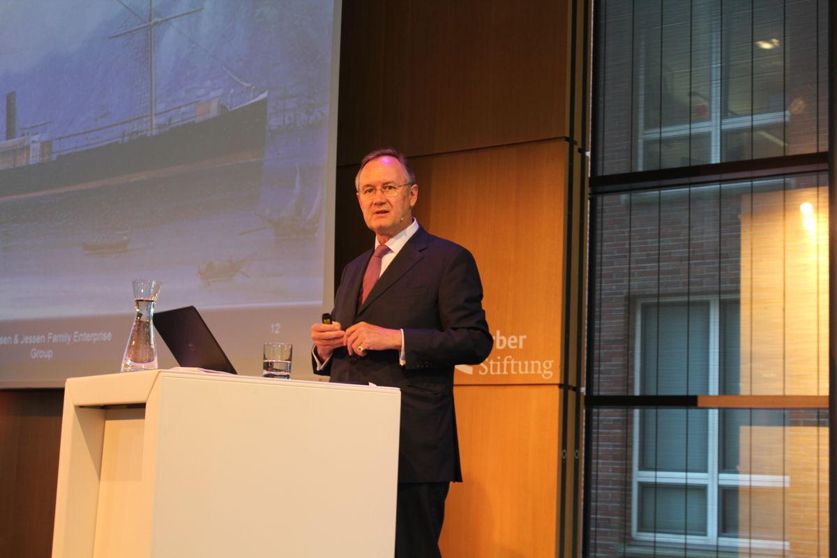 Fritz von der Schulenburg, Managing Partner of Jebsen & Jessen Hamburg, shares the sister company's success milestones with staff.