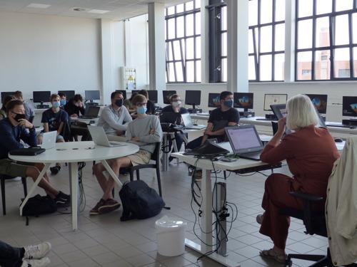 Hogeschool Odisee start academiejaar overtuigd in code geel (+video)