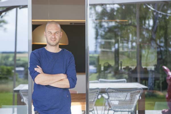 Stan Van Samang in Het huis (c) VRT / Polle Van Rooy
