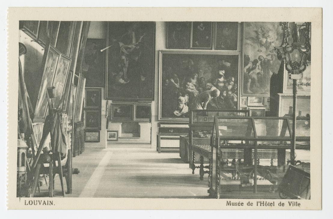 Het museum in het stadhuis op het einde van de 19de eeuw<br/>Foto (c) M-Museum Leuven