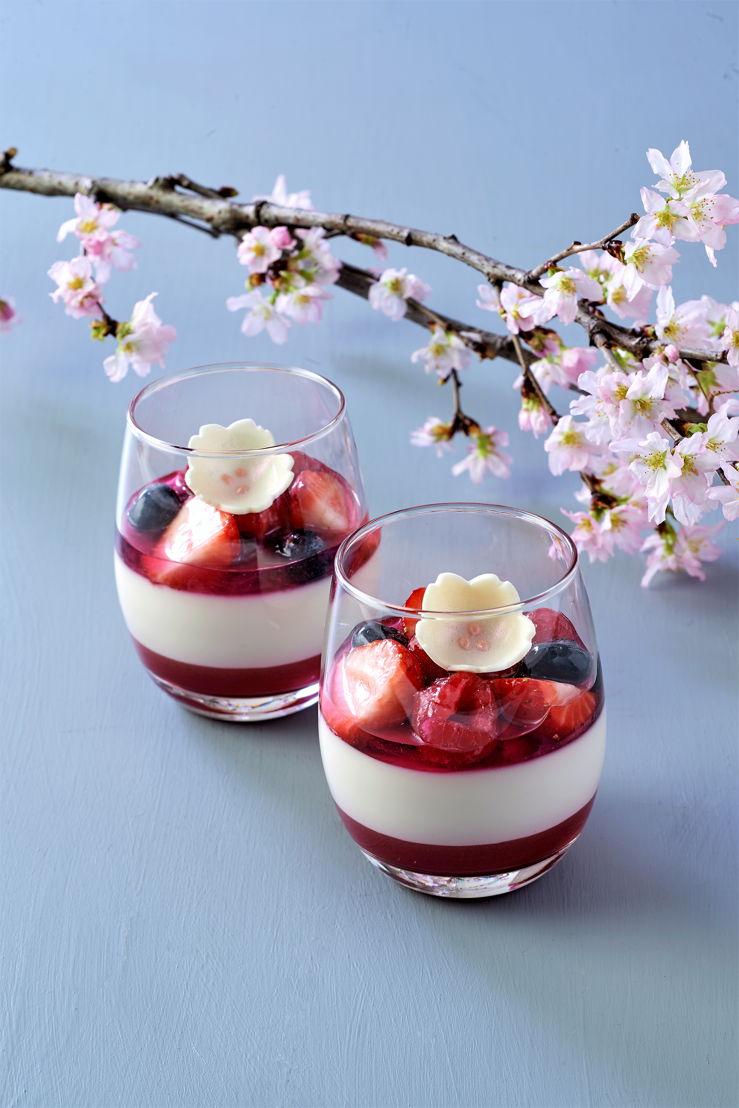 The Peninsula Tokyo: Berry Sakura Fromage Blanc Panna Cotta