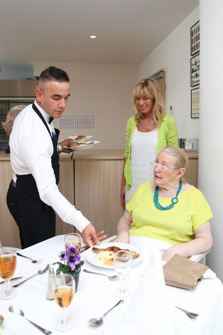 Les résidents sont servis par un maître d'hôtel