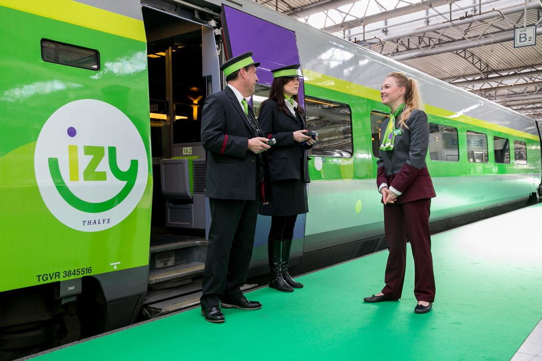 Le service IZY est opéré par du personnel 100% Thalys, en uniforme customisé.