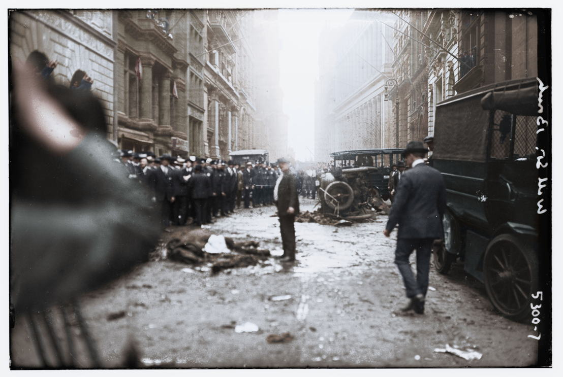 America in Color - afl 1 - bomaanslag Manhattan in 1920 - (c) Smithsonian Channel