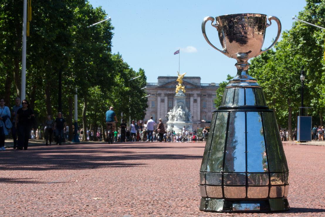 La Coupe Grey sur The Mall en face du Palais de Buckingham Palace. Photo Jim Ross/LCF.