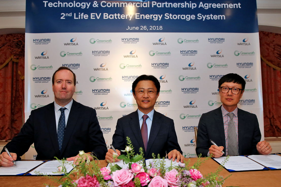 (from left) Javier Cavada, President of Energy Solutions at Wärtsilä, Dr. Youngcho Chi, Executive Vice President of Strategy & Technology Division and Chief Innovation Officer at Hyundai Motor Group, John Jung, President & CEO at Greensmith Energy