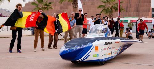 Belgische zonnewagen vertrokken aan rit van 2500 kilometer doorheen Marokkaanse Sahara