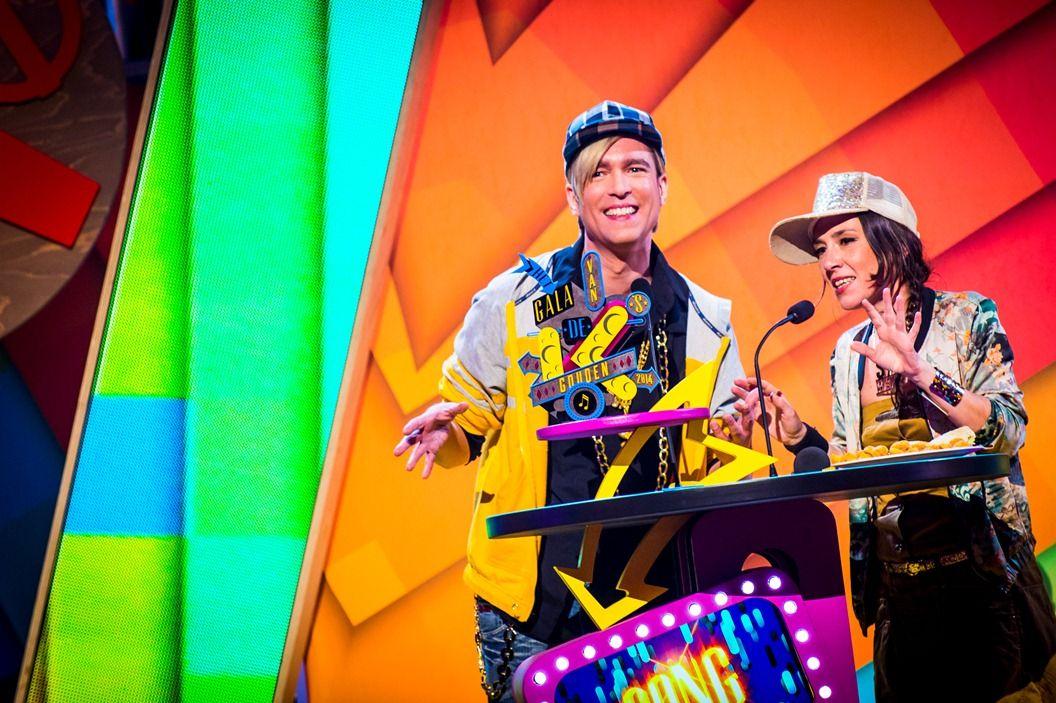 Gala van de Gouden K's 2014 - Slongs Dievanongs- en een hip-hopversie van Showbizz Bart reiken de Gouden K uit voor song van het jaar (Let iit Go) - (c) VRT-Frederik Beyens